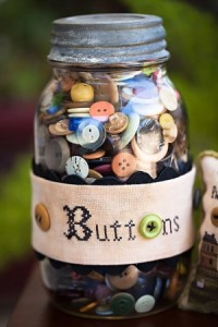 Great-looking button jar, right? It's not mine...
